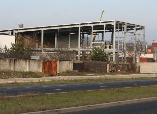 Firmy budują swoje nowe siedziby przy Krakowskiej w Kielcach. Zobacz, co będzie w nowych obiektachPrzy ulicy Krakowskiej w rejonie Słowika w Kielcach powstaje siedziba firmy Tramag.
