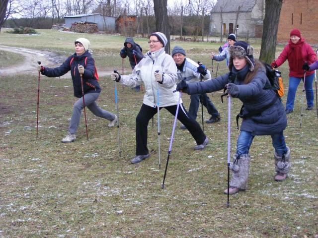 Marsze nordic walking i bezpłatne szkolenia w marszach z kijkami  odbywają się na terenie Puszczy Zielonki regularnie bez względu na porę roku. Zajęcia organizuje  Międzygminny Związek Puszcza  Zielonka
