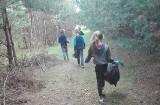 Uczniowie Publicznej Szkoły Podstawowej w Rusinowie posprzątali las