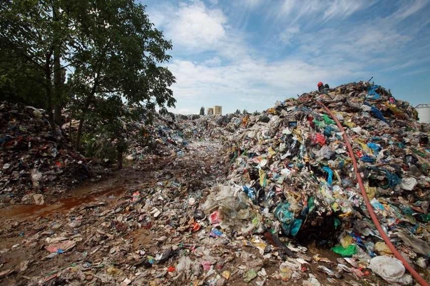 Pożar składowiska śmieci w Skawinie