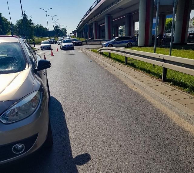 Białystok. Wypadek na Andersa. 70-latek potrącił pieszą koło giełdy