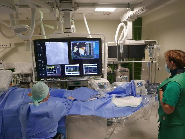 W Zabrzu i Warszawie wykonano pierwsze w Polsce ablacje zaburzeń rytmu serca z wykorzystaniem innowacyjnego sprzętu.Zobacz kolejne zdjęcia. Przesuwaj zdjęcia w prawo - naciśnij strzałkę lub przycisk NASTĘPNE