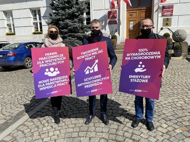 Poseł Krzysztof Gawkowski przedstawił w Bydgoszczy pomysły Lewicy na ratowanie rynku pracy