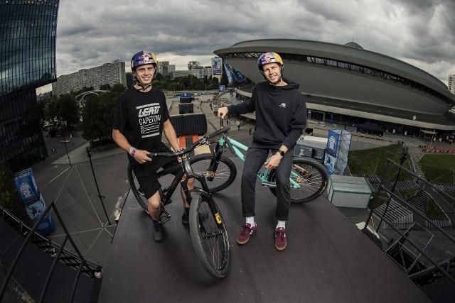 Bracia Dawid i Szymon Godziek będą reprezentować Polskę w Red Bull Roof RideZobacz kolejne zdjęcia. Przesuwaj zdjęcia w prawo - naciśnij strzałkę lub przycisk NASTĘPNE