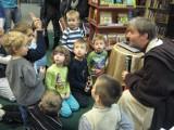 W Gorzowie rycerze Jedi czytali dzieciom (wideo)