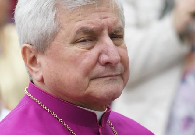 Biskup Edward Janiak zostanie zastąpiony przez biskupa seniora