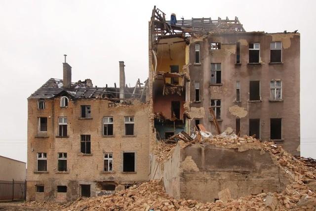 W archiwum gorzowskiego Zakładu Gospodarki Mieszkaniowej są kapitalne zdjęcia sprzed lat. Pokazują rozbiórki wielkich obiektów, hal i kamienic. Zobaczcie je!