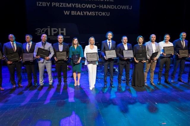Przedstawiciele firm przyjętych w ostatnim roku do Izby Przemysłowo-Handlowej w Białymstoku