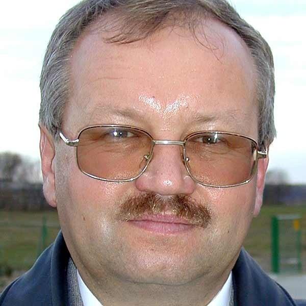 - Nasi radni będą chcieli postawić na swoim i utrzymać całkowitą prohibicję w gminie - mówi Edward Jarmuziewicz wójt Adamówki.
