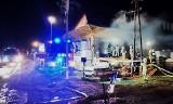 Nocny pożar w Tymbarku. Z ogniem walczyło sześć zastępów straży pożarnej