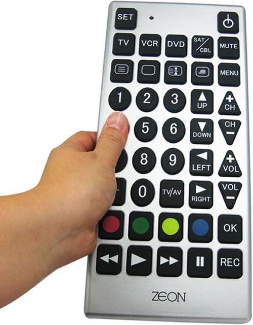 Pilot od telewizoraNajlepszy pilot TV dla seniora to ten z dużymi przyciskami.