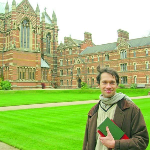Charakterystyczna architektura uniwersytetu w Oksfordzie zyskała sławę za sprawą filmów o Harrym Potterze