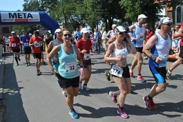 """W Chrzypsku Wielkim biegacze są pod stałą opieką i """"nadzorem"""" organizatorów i nikomu to nie przeszkadza"""