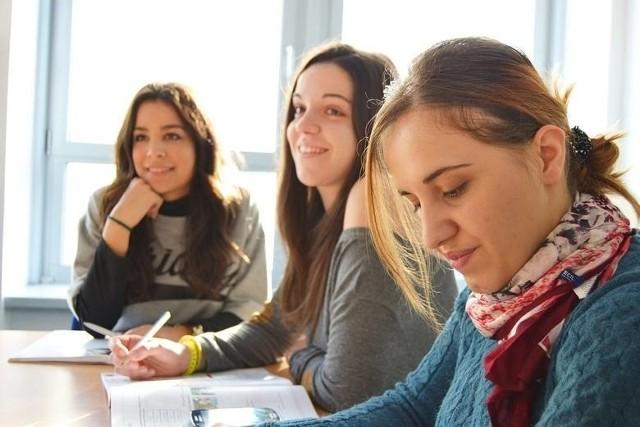 Ranking Perspektyw 2021 klasyfikuje szkoły średnie z terenu całego kraju.