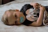 1,5-roczny Olek cierpi na rdzeniowy zanik mięśni. Terapia kosztuje prawie 10 mln zł