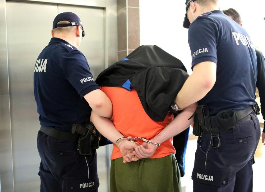 Przeglądając kroniki policyjne można znaleźć wyjątkowo...