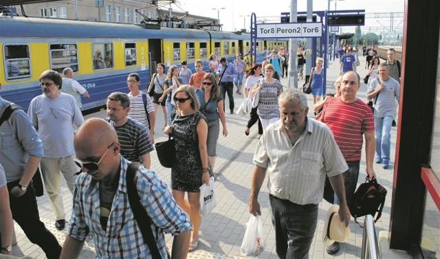 Jeździmy ściśnięci niczym sardynki w puszce - żalą się pasażerowie pociągów z Tczewa
