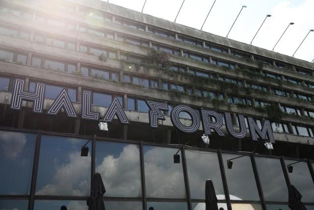 Hala Forum to kompleks gastronomiczny rozrywkowy w dawnym Hotelu Forum w zakolu Wisły w Krakowie