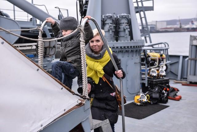 Z okazji rocznicy utworzenia 3. Flotylli Okrętów, w Gdyni odbył się dzień otwartych koszar. Odwiedzający 11 marca Port Wojenny, mogli zwiedzać okręty oraz zobaczyć sprzęt i wyposażenie jednostek brzegowych wchodzących w skład 3. FO.