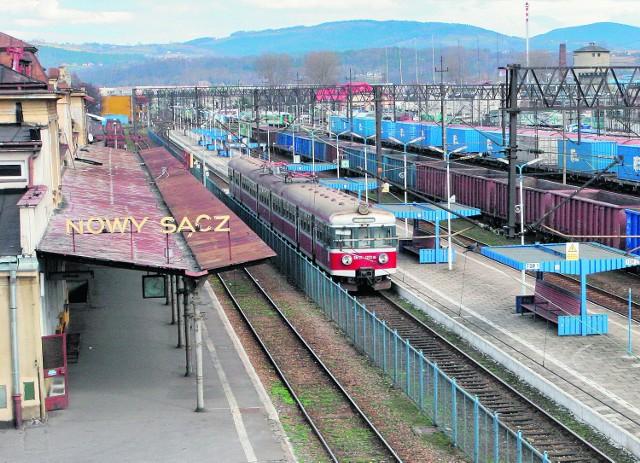 Budowa linii do Krakowa przez Piekiełko to powrót Nowego Sącza na ważne kolejowe szlaki