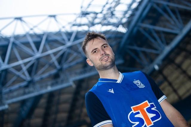 Antonio Milić przychodzi do Lecha na wypożyczenie z opcją pierwokupu. Przez dwa lata gry dla Anderlechtu wystąpił w 25 oficjalnych meczach i strzelił 2 gole.