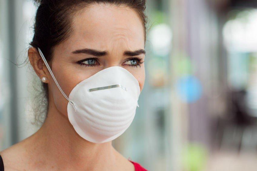 W aptekach brakuje maseczek ochronnych. Ministerstwo uspokaja: Noszą je chorzy, a w Polsce nie ma przypadku koronawirusa | Dziennik Bałtycki