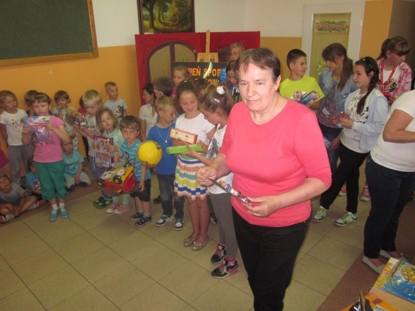 """Konkurs """"Sympatyk ekologii III"""" w Raciążu Nagrody wędrowały w ręce dzieci."""