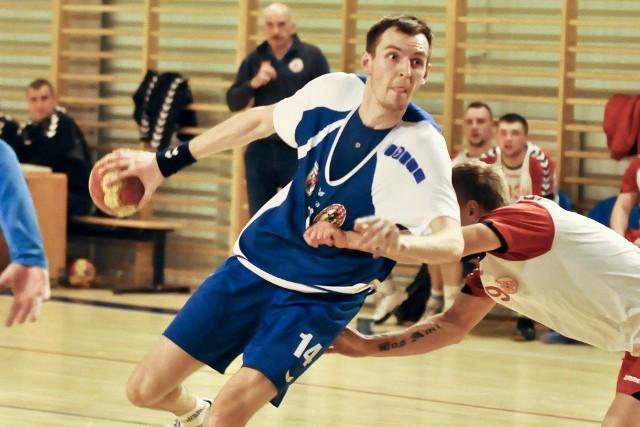 Łukasz Ogorzelec (z piłką) za swój występ zebrał zasłużone pochwały.