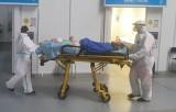Pierwszy dzień pracy w szpitalu tymczasowym w Targach Kielce. Zobaczcie zdjęcia i film!