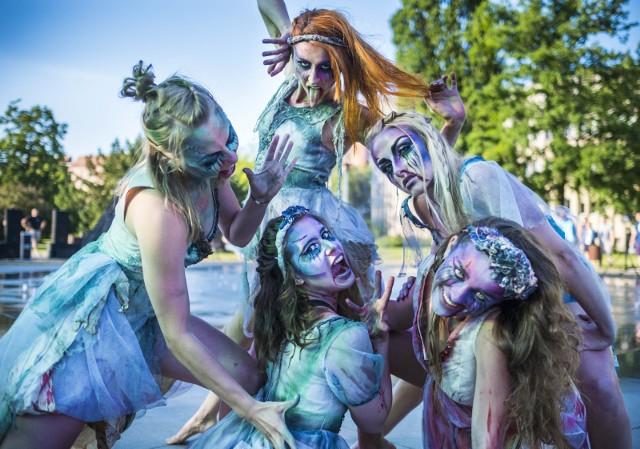 Dziewczyny z Teatru Avatar.