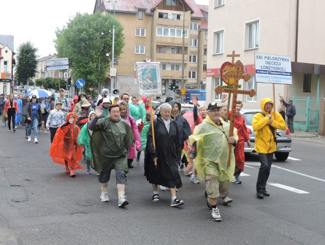 Ostrołęka. Pielgrzymka do Niepokalanowa. Wyruszyli spod kościoła św. Antoniego