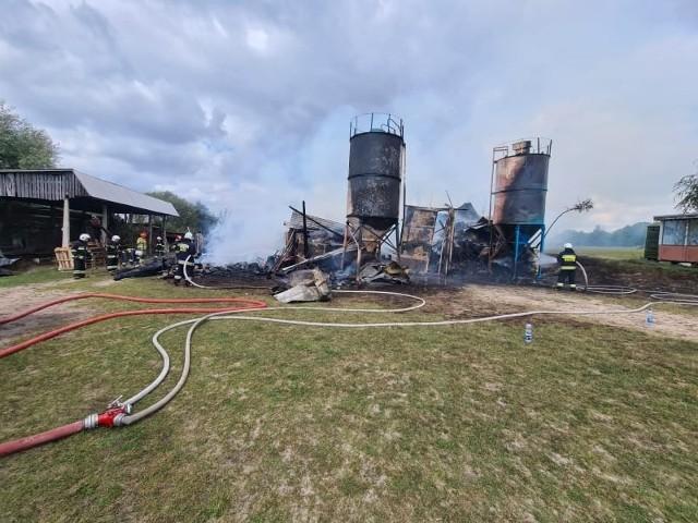 Pożar stodoły we wsi Pustkowa Góra koło Zgierza.