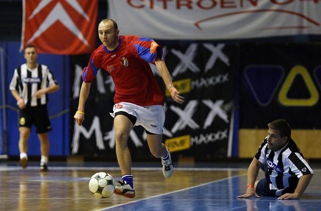 Trójkolorowi Slupsk wygrali z druzyną ze Szczecina 2:1.
