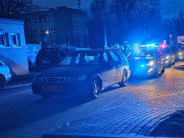 Policyjny pościg za pijanym kierowcą saaba na ulicy Wierzbowej w Białymstoku