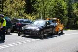 Tatry. Ludzie ruszyli w góry, a policja odholowała im 16 źle zaparkowanych samochodów