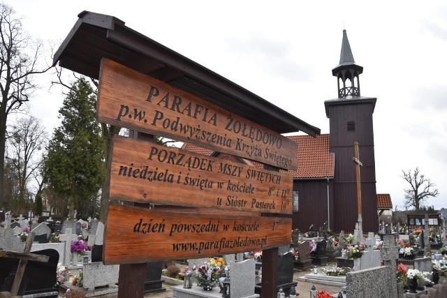 Kościół w Żołędowie ma  306 lat.  To jedna z trzech drewnianych świątyń w powiecie bydgoskim