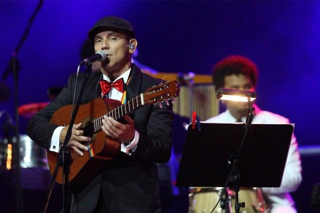 Podczas pierwszej kolacji 12 lipca w Opolance będzie można bawić się przy muzyce Trio Tropical i wirtuozerskich popisach lidera zespołu - Jose Torresa.