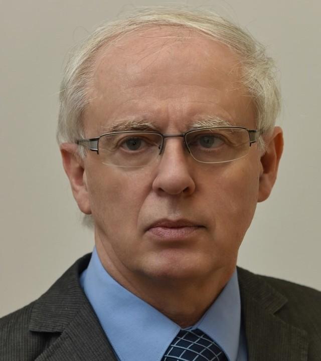 Prof. dr hab. inż. Ryszard Rybski jest związany z zielonogórską uczelnią od 1969 roku, kiedy to po ukończeniu LO w Szprotawie rozpoczął studia w Wyższej Szkole Inżynierskiej...