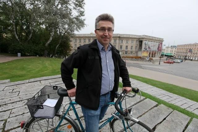 Jan Kochanowicz już wczoraj wypróbował rower, którym wyruszy na trzydniową wyprawę po woj. podlaskim