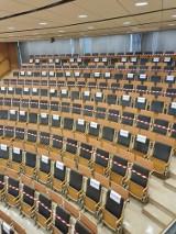 Kraków. Studenci Uniwersytetu Rolniczego oraz UEK obawiają się stacjonarnych egzaminów. Co na to uczelnie?
