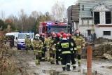Dobrzykowice. Koparka uszkodziła rurę z gazem. Na miejsce przyjechało 8 wozów straży pożarnej, ewakuowano mieszkańców. Zobaczcie zdjęcia