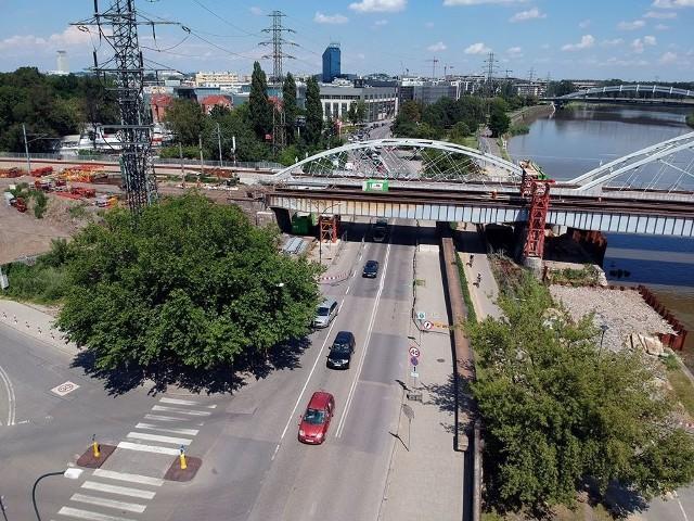 W nocy z soboty na niedzielę (25/26 lipca), oraz z niedzieli na poniedziałek (26/27 lipca) ul. Podgórska będzie zamknięta od 22 do 5 rano - informują kolejarze z PKP PLK.