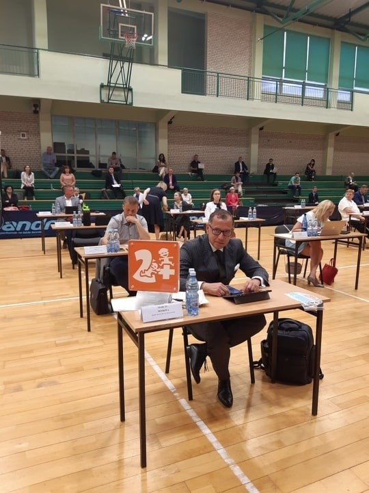 Radni obradowali w sali gimnastycznej Zespołu Szkół Rolniczych.