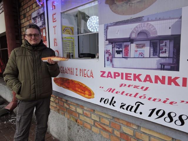Właściciel lokalu Zbigniew Śpiewak zapiekanki je prawie codziennie. I nie znudziły mu się