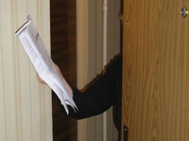 Napad W Mieszkaniu Na Starszą Panią Falszywej Pracownicy