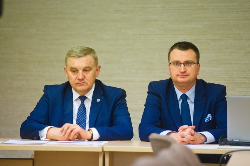 Rafał Rudnicki podczas sesji w 2017 roku wzywał radnych PiS,...