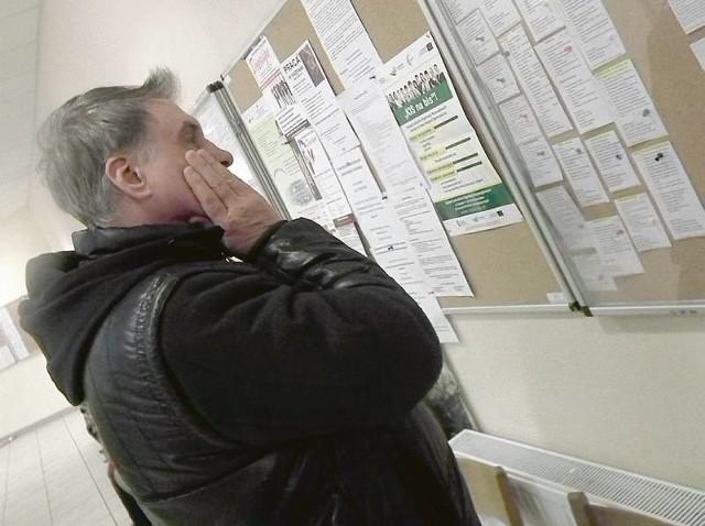 Pan Adam z Zielonej Góry od pół roku szuka pracy: - Są tylko oferty dla inwalidów. Trudno jest cokolwiek znaleźć. No, i teraz te planowane zmiany emerytalne... Jestem za tym, żeby przy przejściu na emeryturę uwzględniano jednak przepracowane lata, nie wiek.