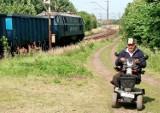 Jak teraz przejechać przez tory w Polednie? Były pracownik kolei został przez nią uziemiony!