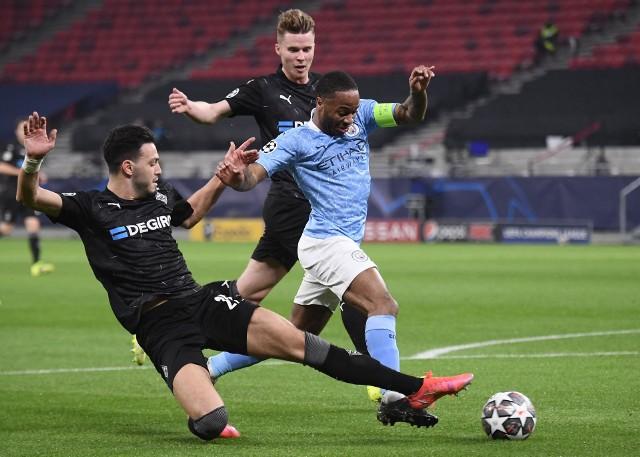 City jest jedną nogą w ćwierćfinale Ligi Mistrzów, ale Guardiola przestrzega zespół