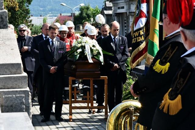 Franciszek Wszołek spoczął na cmentarzu w Gorlicach. Pogrzeb założyciela Zagłębia Sosnowiec odbył sie w środę 25 sierpnia 2021.